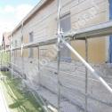 """""""Szycie"""" popękanej ściany przy pomocy profili śrubowych firmy Brutt Saver."""
