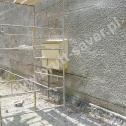Naprawa popękanych murów domu jednorodzinnego z pustaka z zastosowaniem profili śrubowych Brutt Saver.