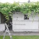 Przykład naprawy popękanych murów altanki z wykorzystaniem profili śrubowych Brutt Saver.