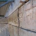 Naprawa murów - bruzdy przygotowane do montażu profili spiralnych Brutt'a.