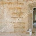 """Naprawa muru z cegły - """"szycie"""" spiralnymi profilami ze stali nierdzewnej firmy Brutt Saver."""