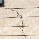 Przykład wzmocnienia pękniętego muru pod oknem z zastosowaniem technologii Brutt'a.