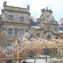 Jeden z rewitalizowanych, zabytkowych pałaców w Polsce, w którym wykorzystano profile spiralne ze stali nierdzewnej firmy Brutt Saver.