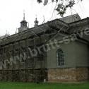 Prace przy wzmacnianiu popękanych murów zabytkowego kościoła w okolicach Zamościa z zastosowaniem technologii Brutt'a. Przy wzmacnianiu obiektu zastosowano śrubowe profile ze stali nierdzewnej - Saver Profile fi8.